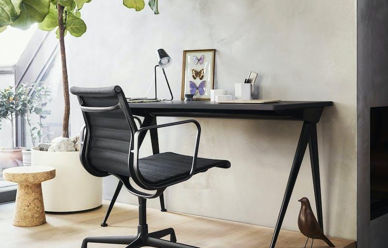 2578533 Aluminium Chair EA108 Black Version Compas Direction Cork Stool Eames House Bird v fullbleed 1440x
