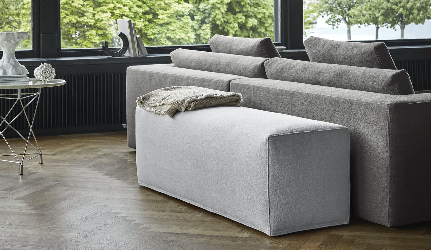 Bench footstool 140x40 cm Sack 07 ENVIR 3 with Icon sofa 280x95 cm Sack 29 from behind Spider table 0217 til PR