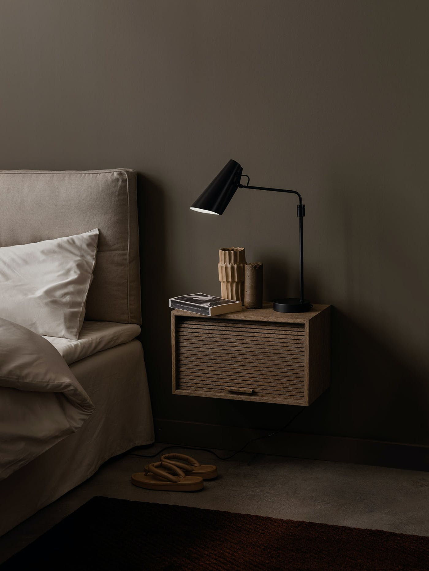Birdy table lamp swing bedside Hifive Northern Photo Einar Aslaksen Low res