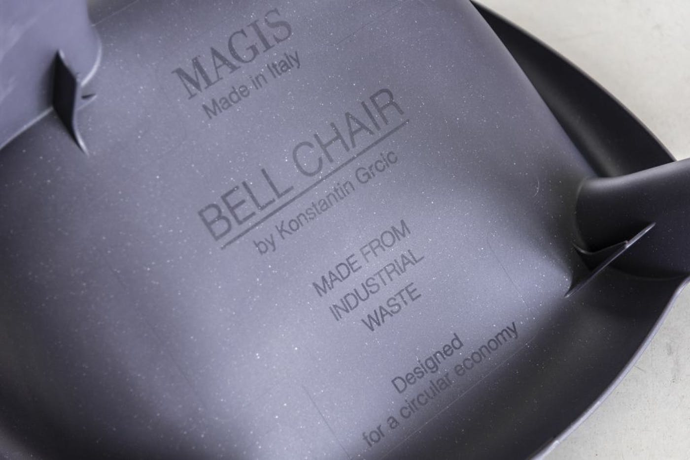 Magis bell chair product detail SD2900 midnight 01 1 lr