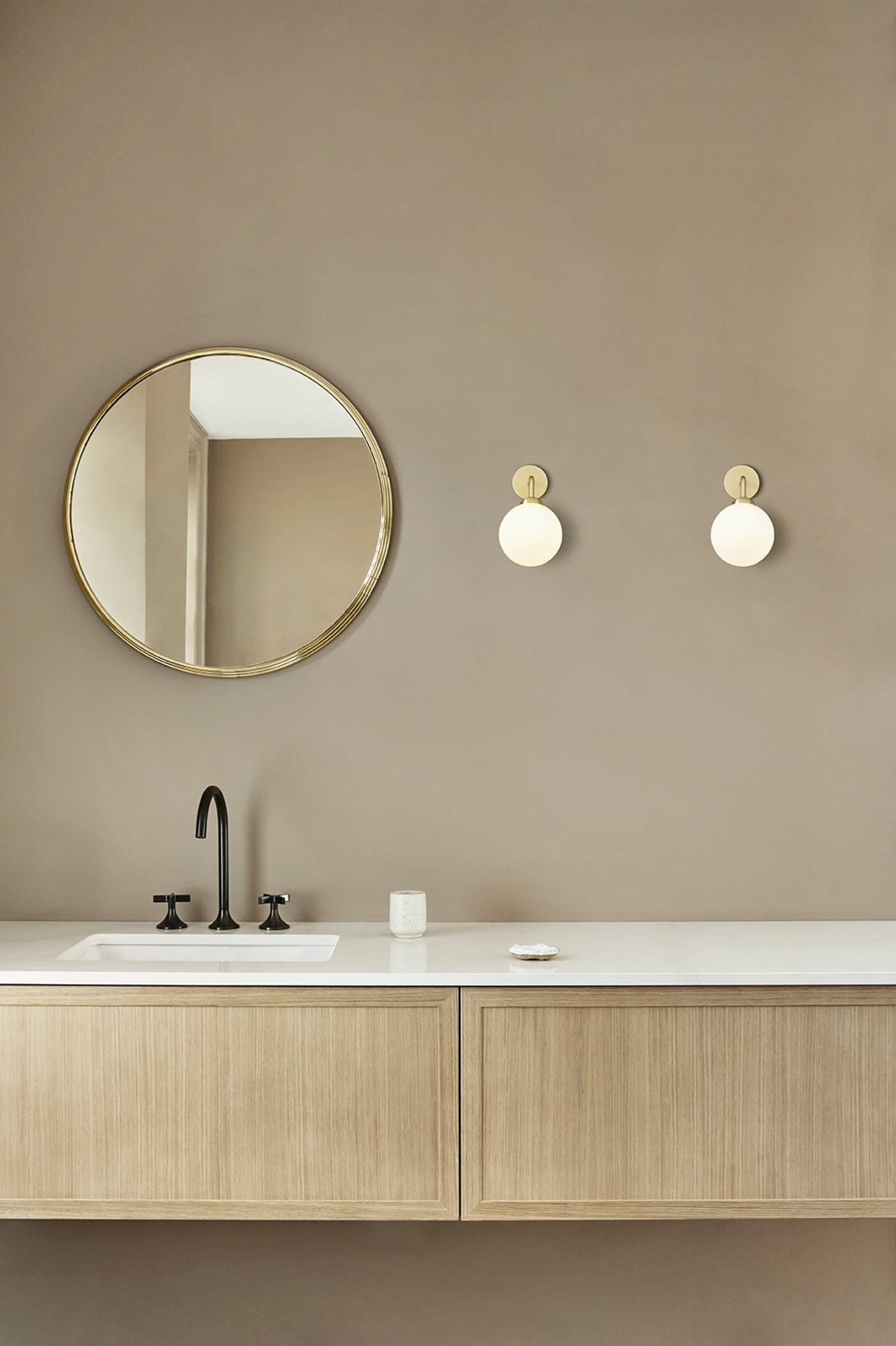 Nuura Apiales Wall Brushed Brass Hard Wired lifestyle 2