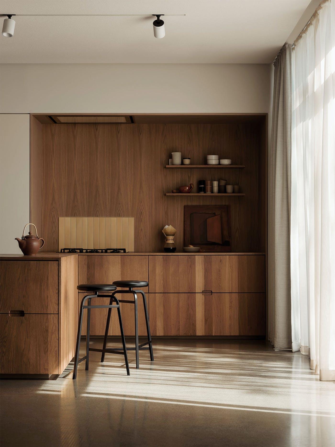 Treble bar stools black kitchen Northern Photo Einar Aslaksen Low res