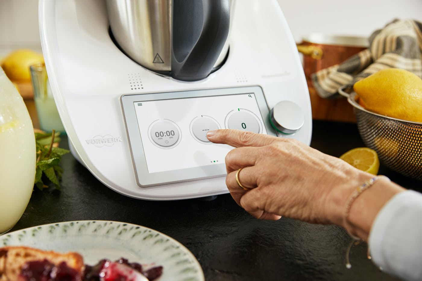 Int thermomix TM6 in use 4787 medium 1